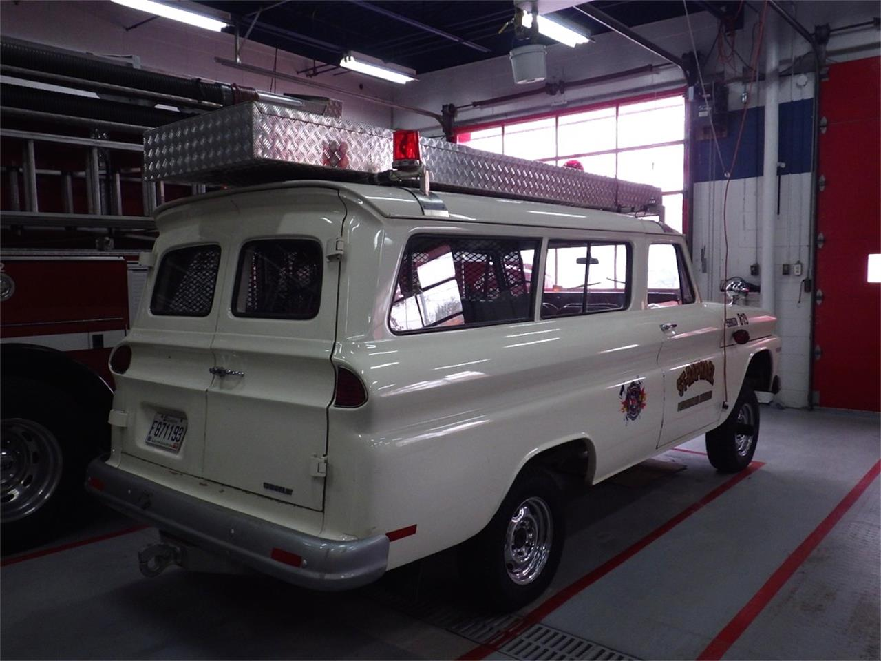 Large Picture of 1965 Suburban - P8KZ