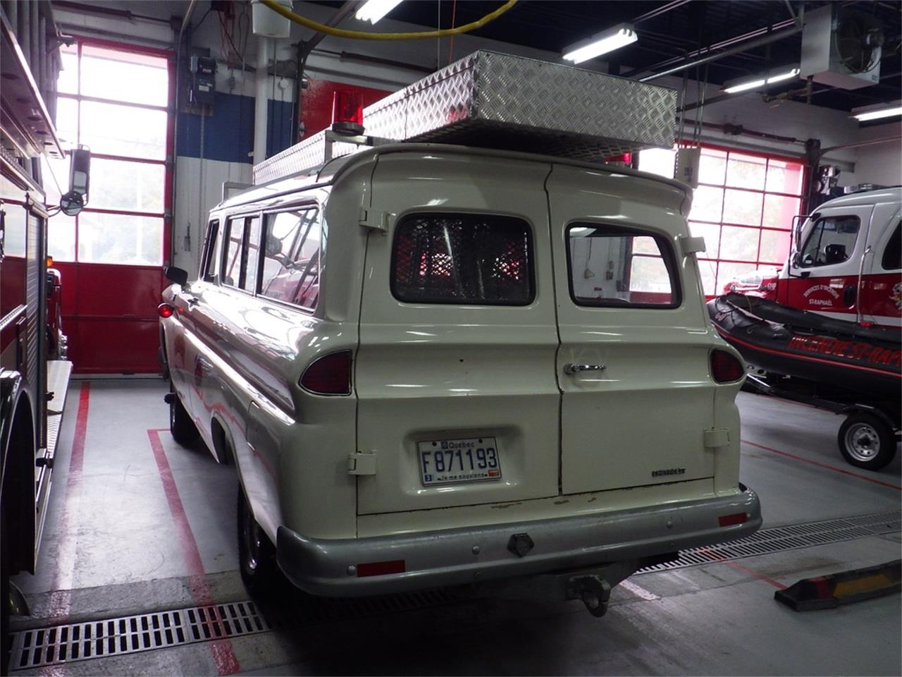 Large Picture of 1965 Suburban located in Quebec - $25,000.00 Offered by a Private Seller - P8KZ
