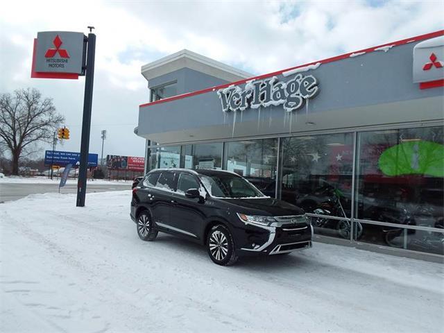 Picture of 2019 Mitsubishi Outlander located in Holland Michigan - P8Q7