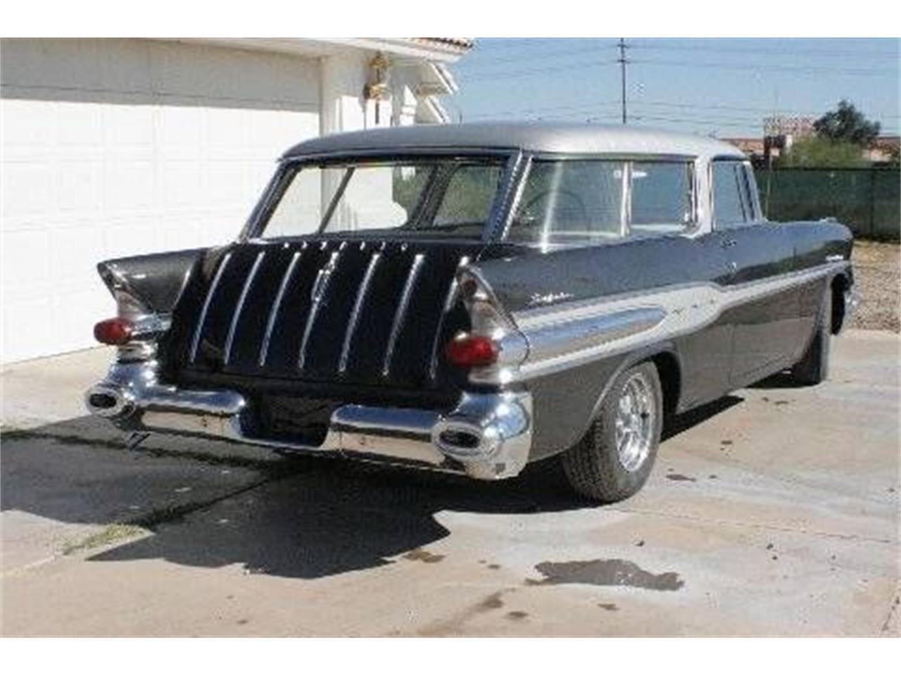 Large Picture of 1957 Pontiac Safari located in Michigan - P8TL