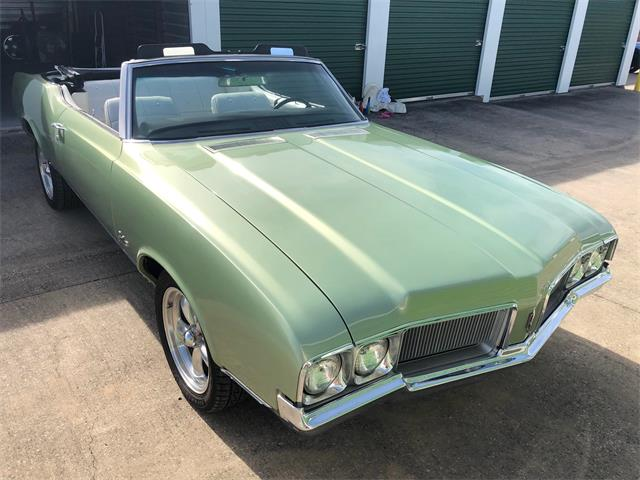 Picture of '70 Cutlass Supreme - P8YW