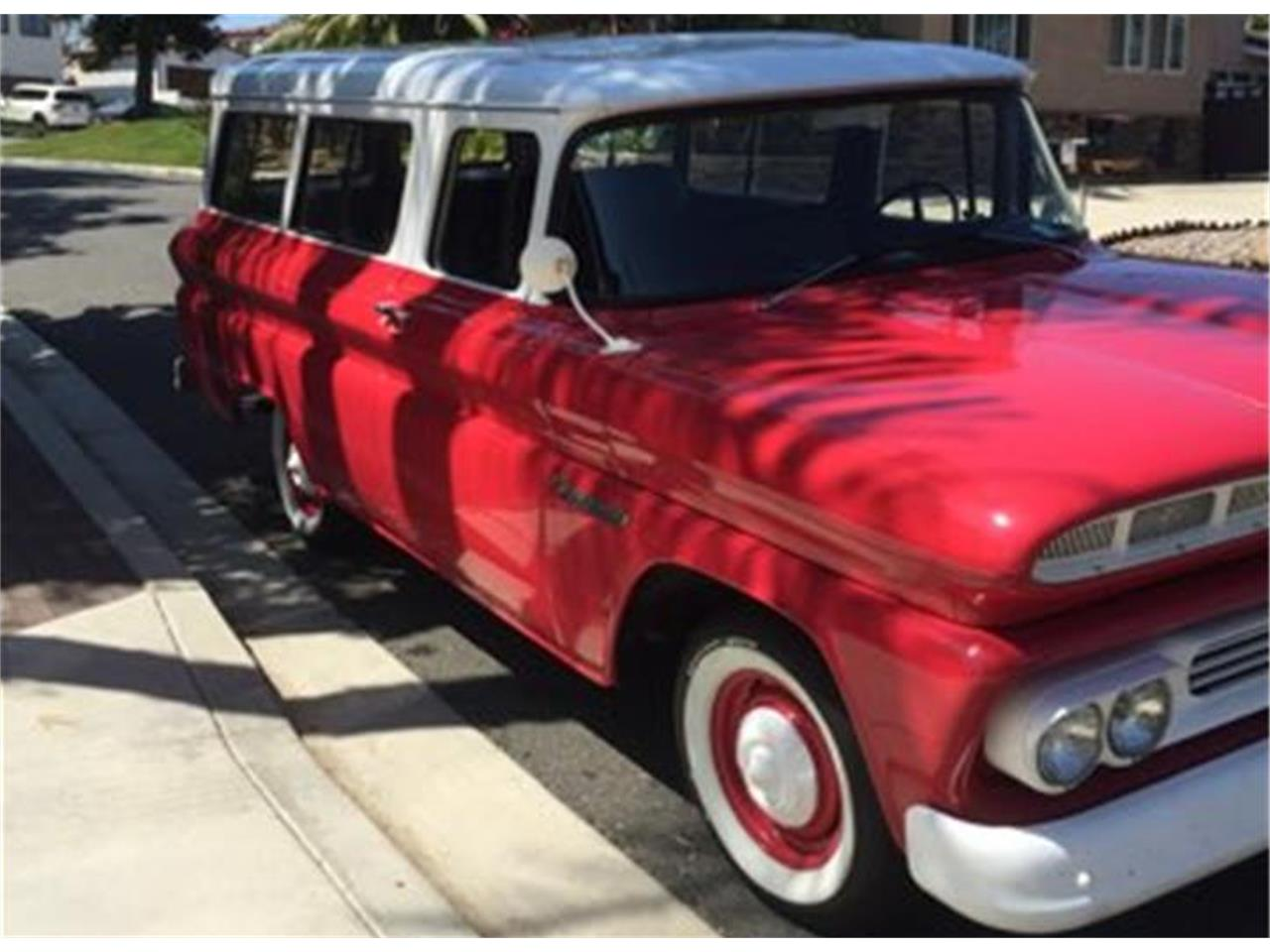 Large Picture of Classic '60 Chevrolet Suburban located in California - P3GD