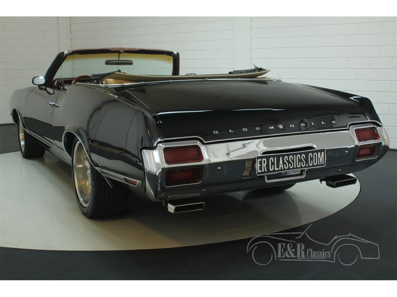 Large Picture of '71 Cutlass Supreme - P9N0