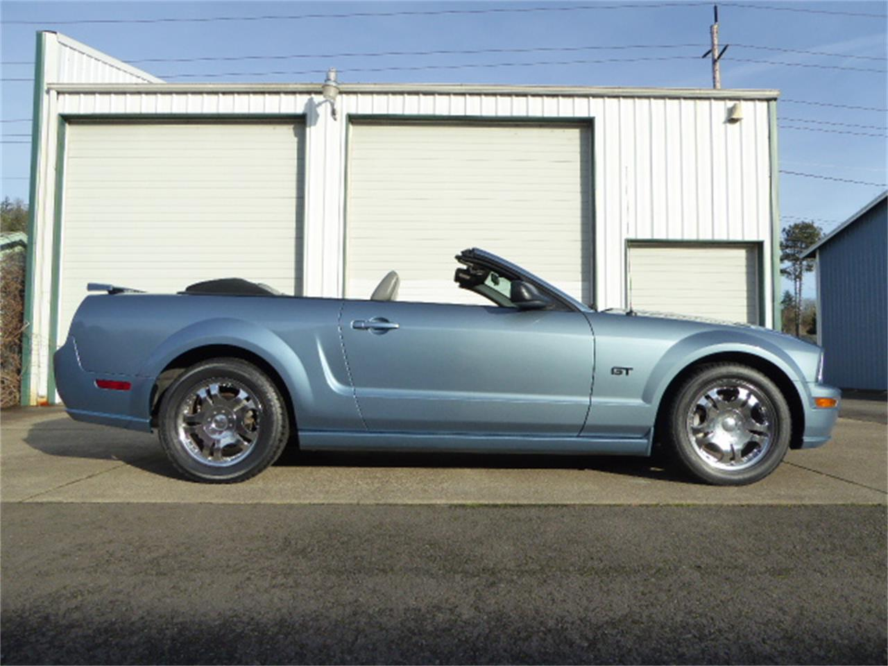 Large Picture of '05 Mustang GT - P9O8