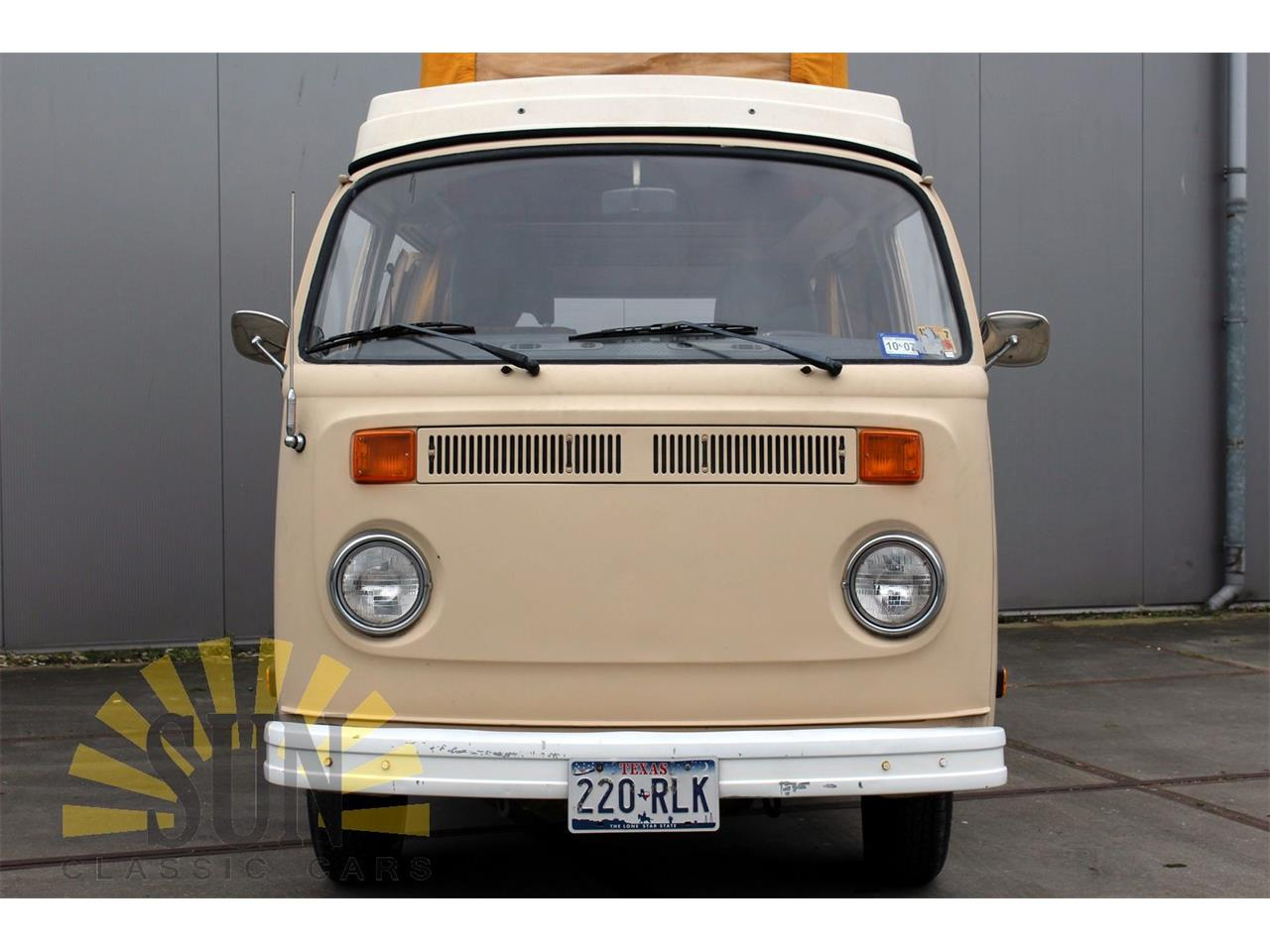 Large Picture of '77 Volkswagen Camper Offered by E & R Classics - P9W7