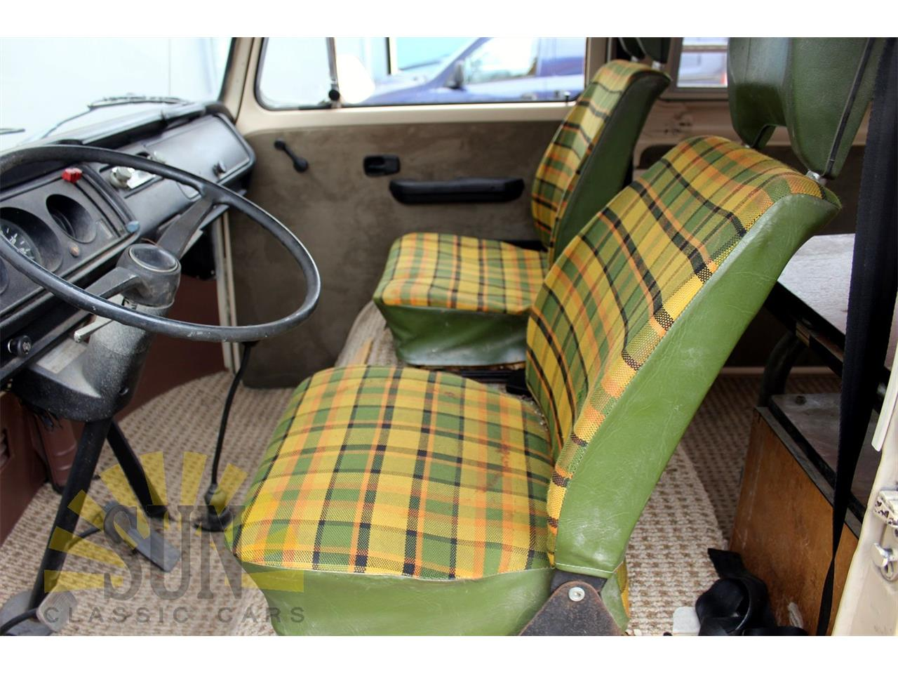 Large Picture of 1977 Volkswagen Camper - P9W7