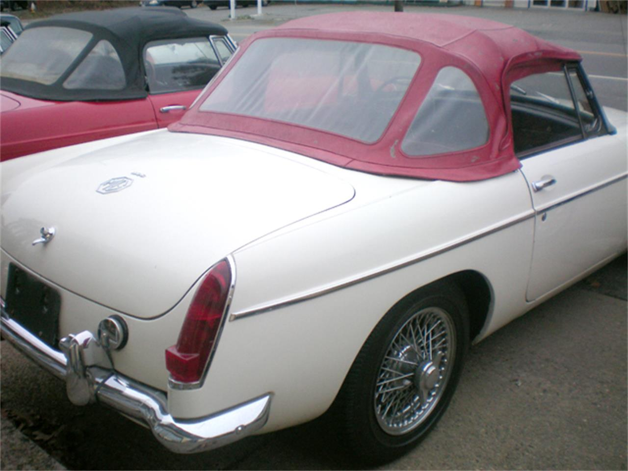 Large Picture of '65 MGB - P9WH