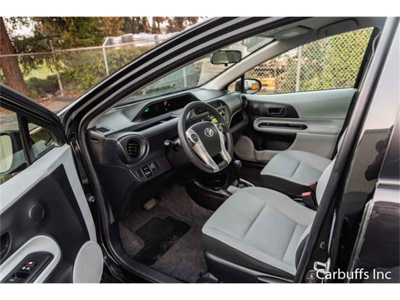 Large Picture of '13 Prius - PA1I