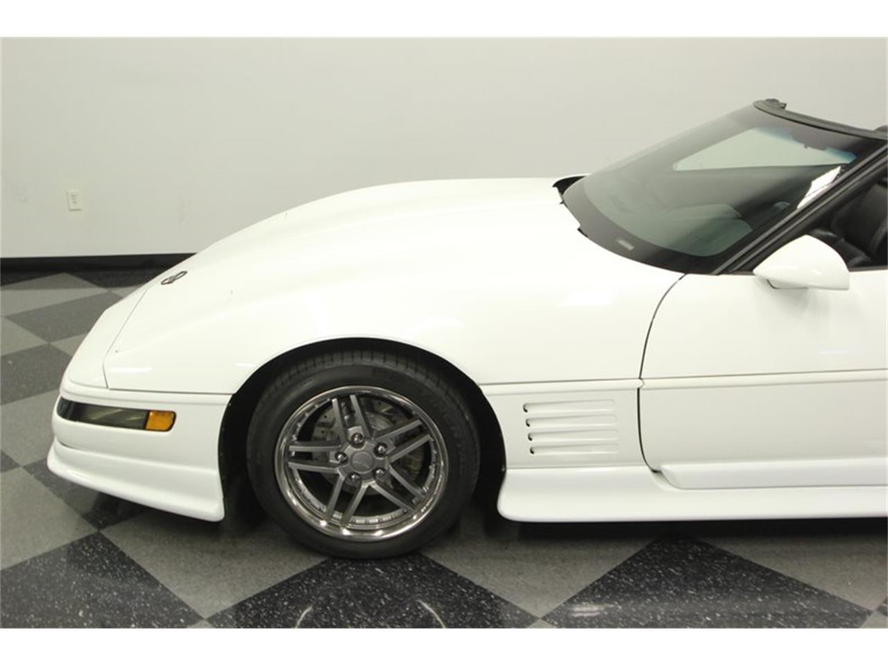 Large Picture of '93 Corvette located in Florida Offered by Streetside Classics - Tampa - P3IH