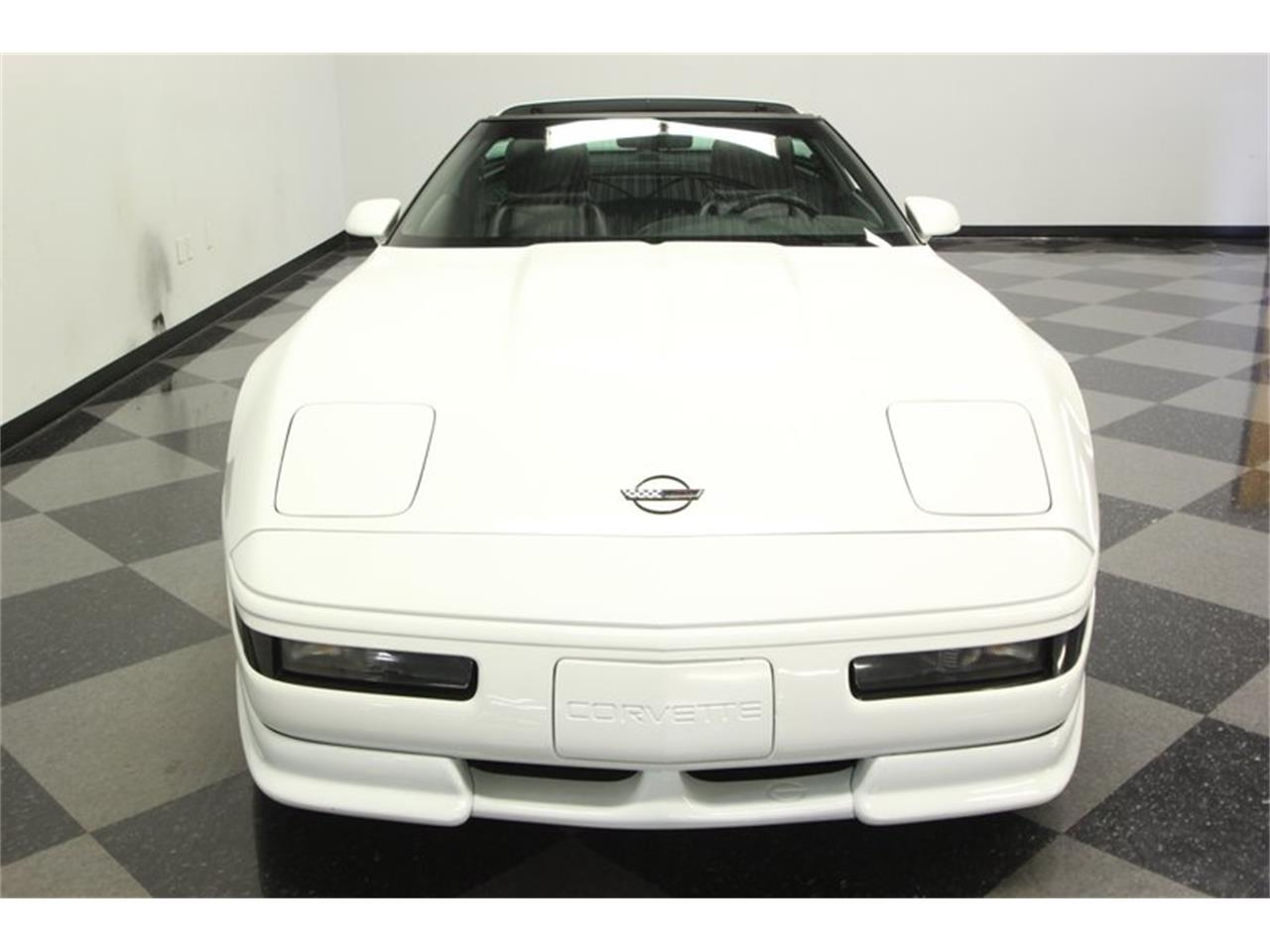 Large Picture of 1993 Chevrolet Corvette located in Florida - $14,995.00 Offered by Streetside Classics - Tampa - P3IH