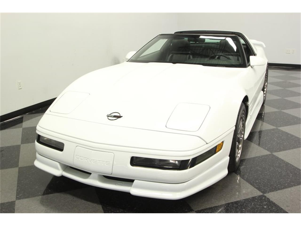 Large Picture of 1993 Corvette located in Lutz Florida Offered by Streetside Classics - Tampa - P3IH