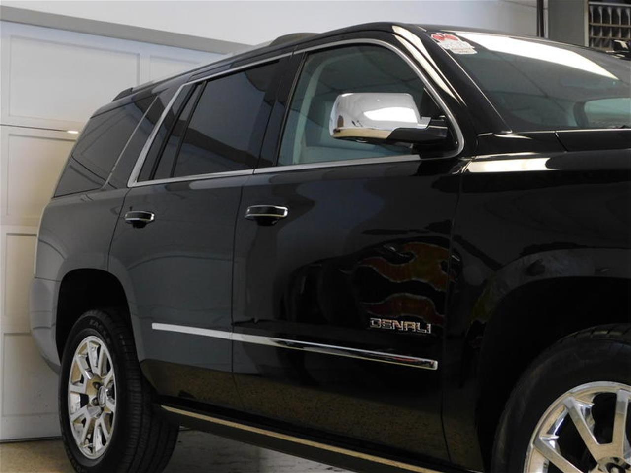 Large Picture of 2015 Yukon Denali located in Hamburg New York Offered by Superior Auto Sales - P3JC