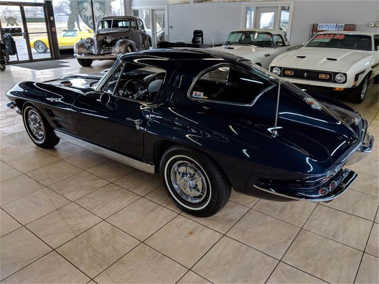 Large Picture of Classic 1963 Corvette - PBTZ