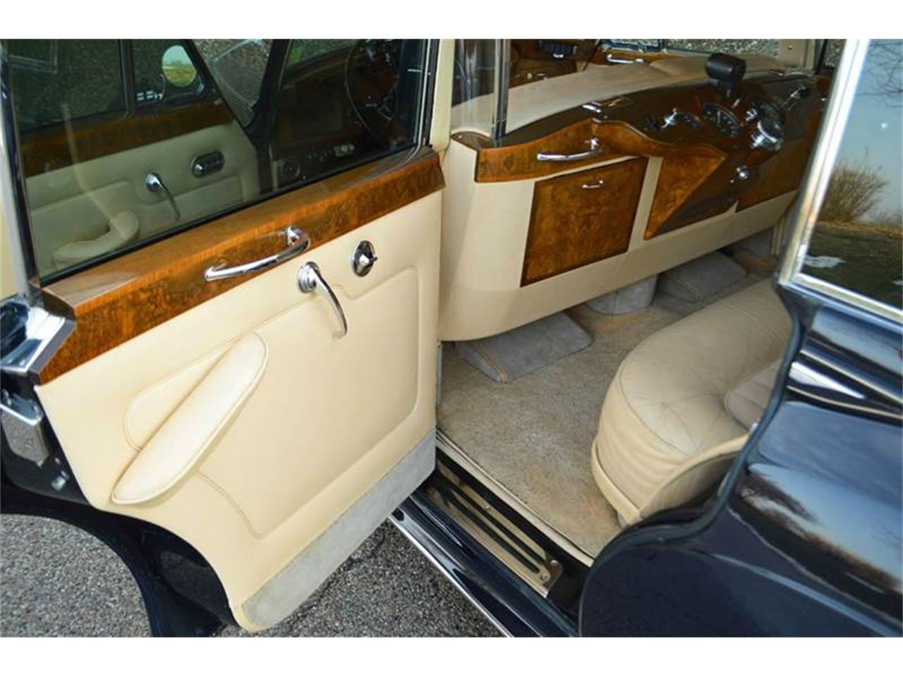 Large Picture of Classic '62 Silver Cloud II located in Carey Illinois Offered by Park-Ward Motors - PAP5