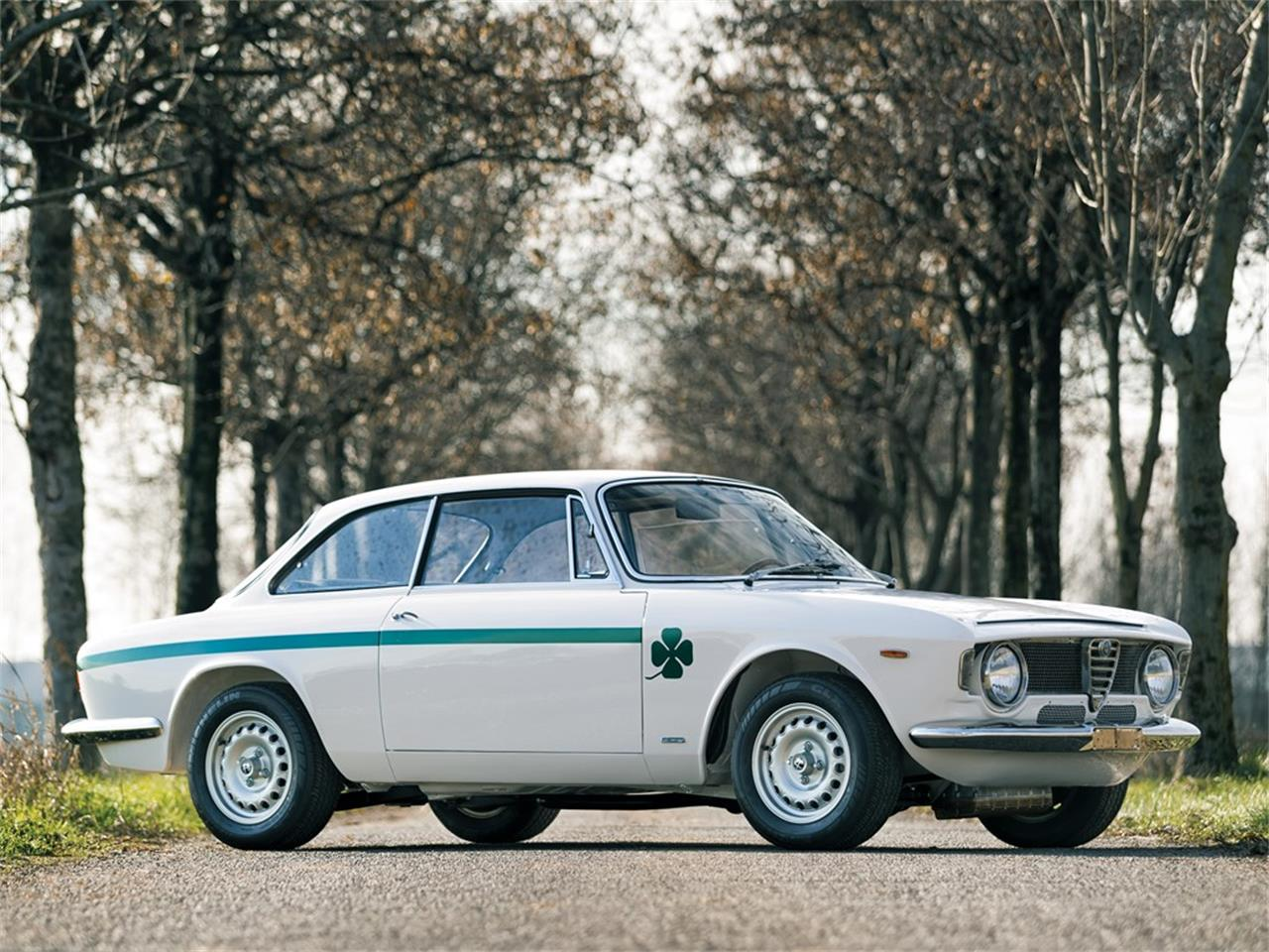 Large Picture of Classic 1973 Alfa Romeo GTA 1300 Junior Stradale located in Paris  Auction Vehicle - PCJO