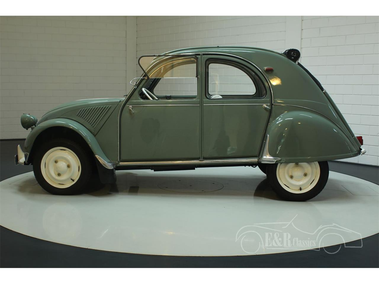 Large Picture of Classic 1957 2CV located in - Keine Angabe - - PCQ6