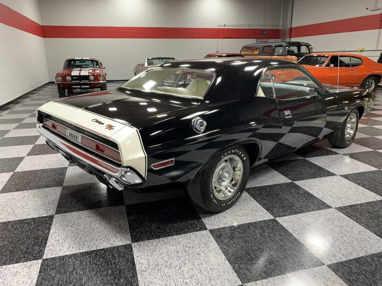 Large Picture of Classic 1970 Challenger - PCS1