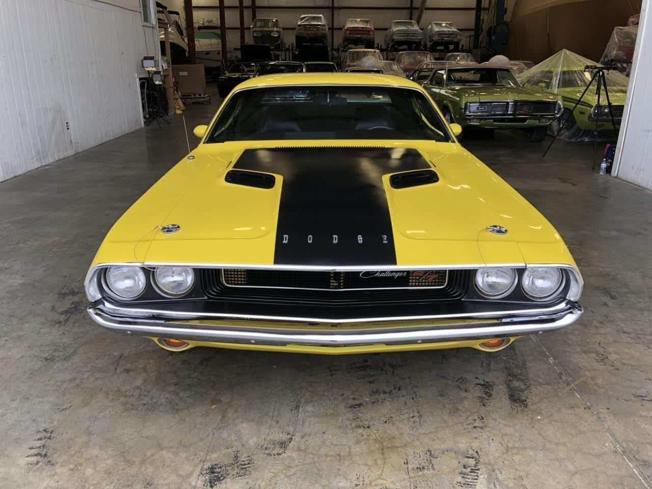 Large Picture of '70 Challenger - PCT2