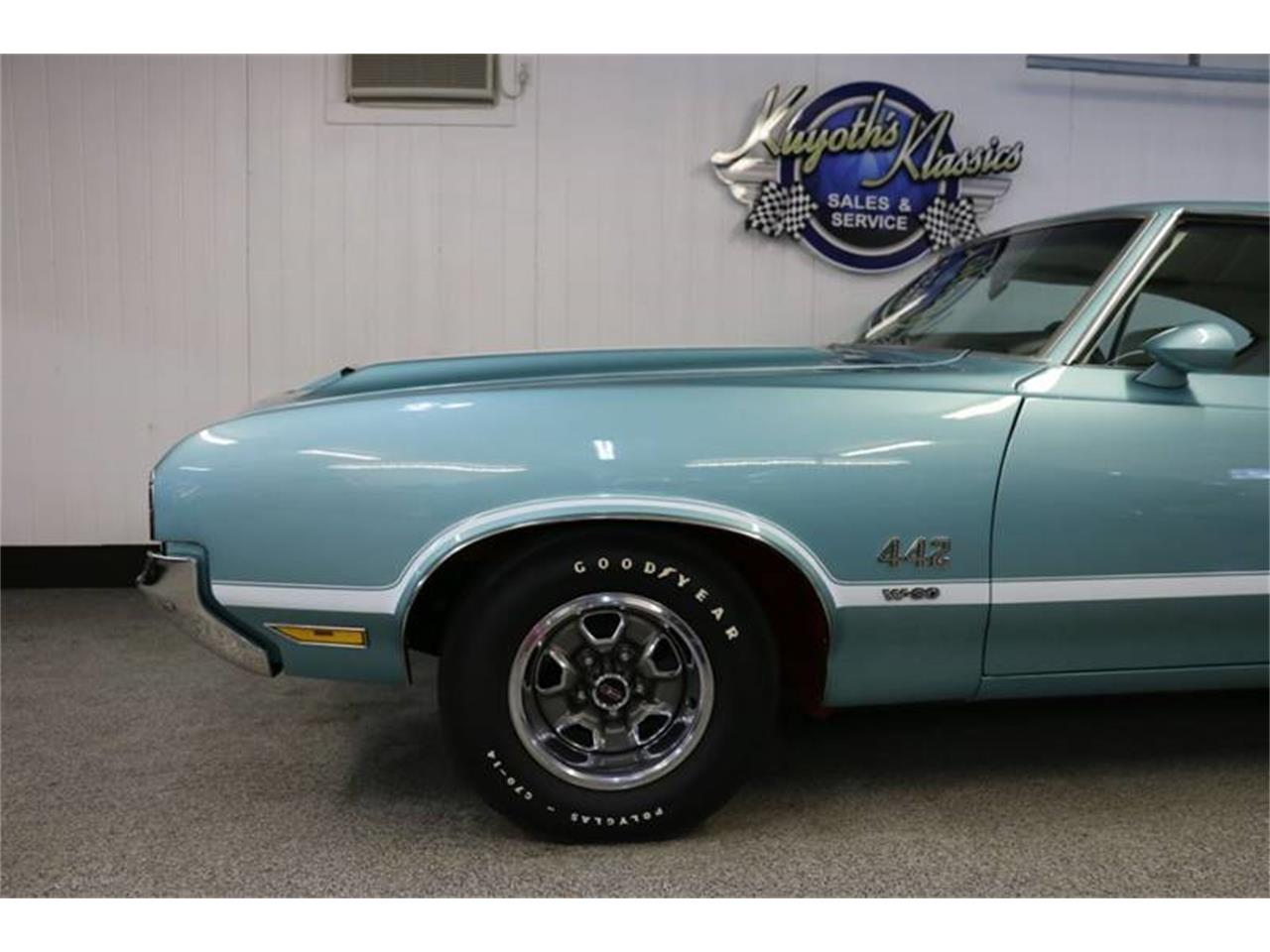 Large Picture of Classic '70 Oldsmobile 442 located in Stratford Wisconsin Offered by Kuyoth's Klassics - PD12