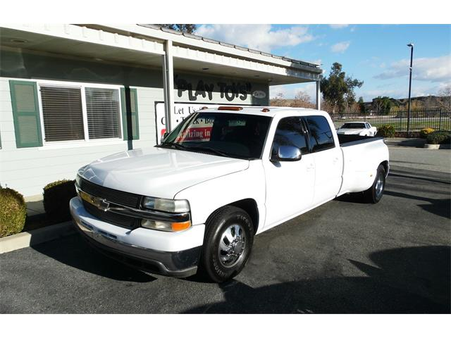 Picture of '01 Chevrolet 3500 located in California - PD59