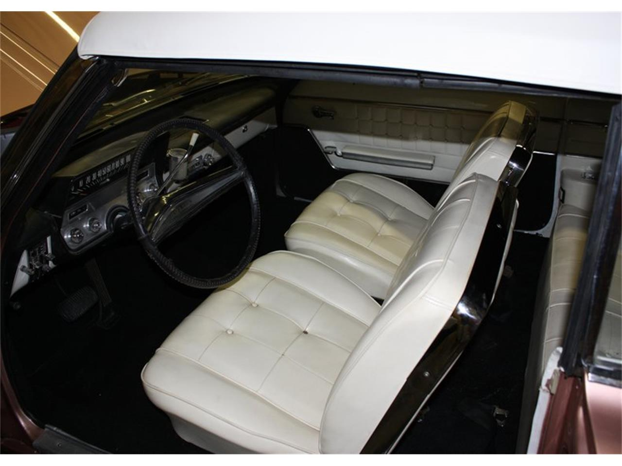 Large Picture of Classic '62 Buick Skylark located in Oklahoma Auction Vehicle Offered by Leake Auction Company - PDAZ