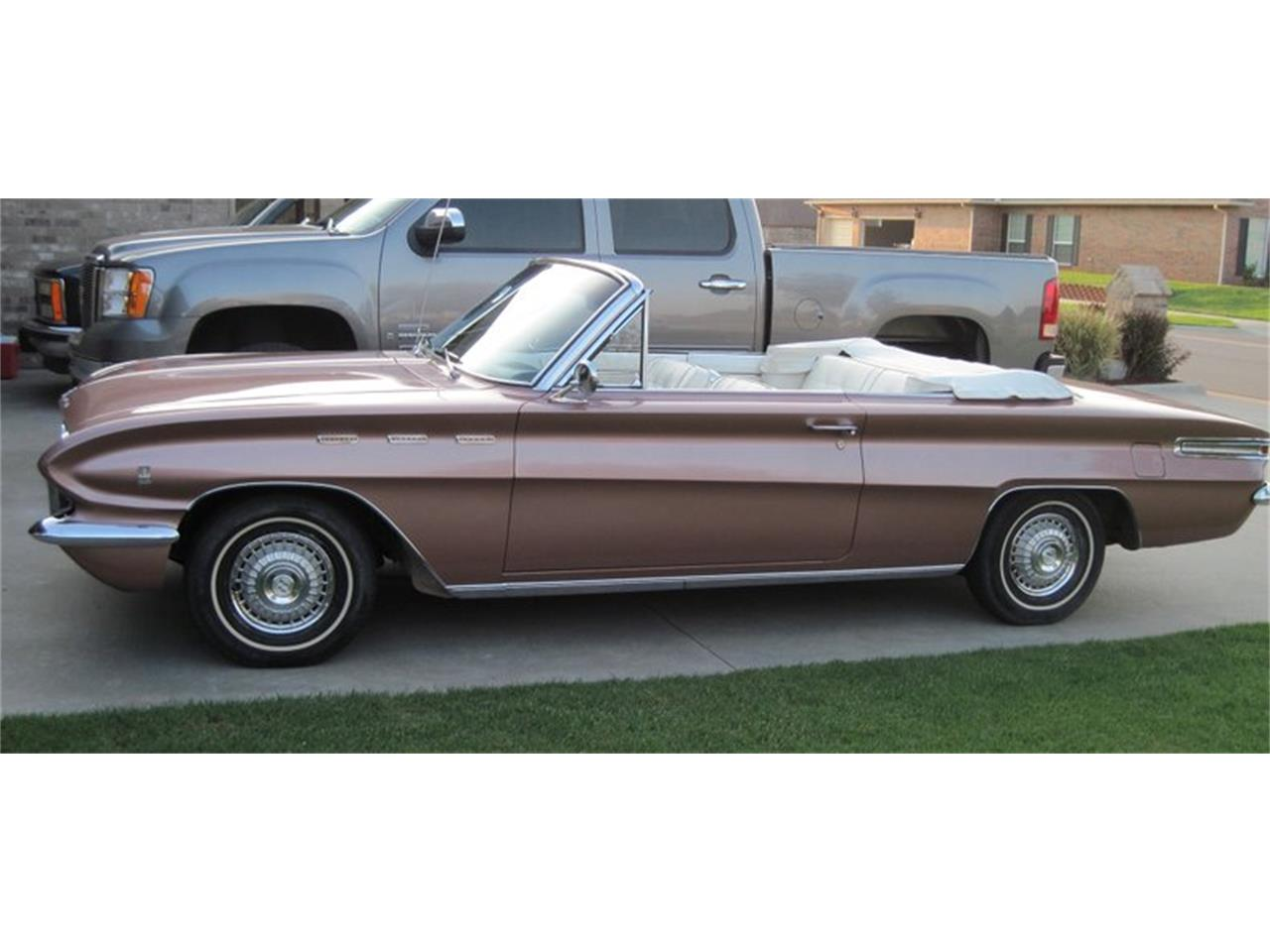 Large Picture of Classic 1962 Buick Skylark located in Oklahoma City Oklahoma - PDAZ