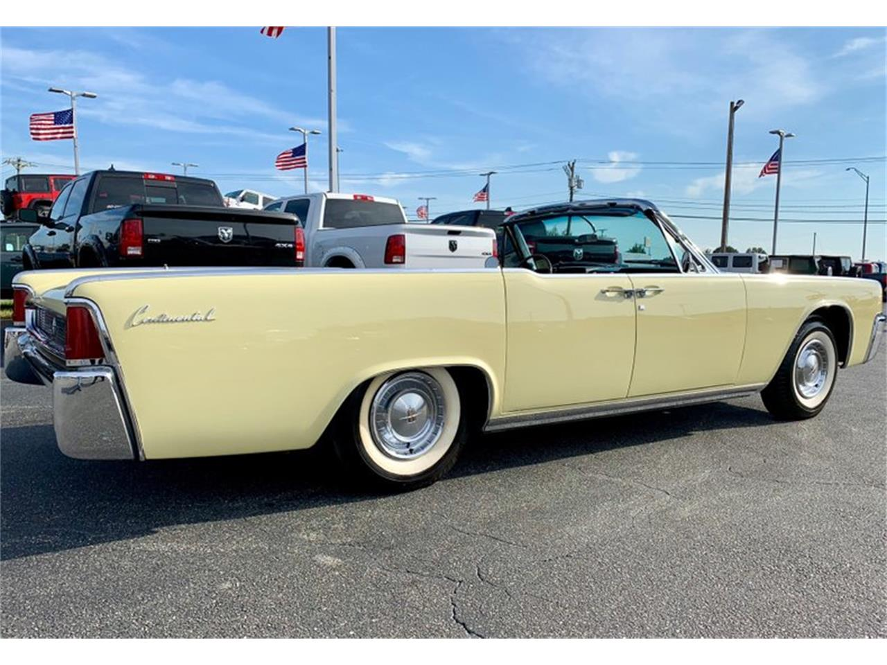 Large Picture of '61 Lincoln Continental Offered by GAA Classic Cars Auctions - PATF