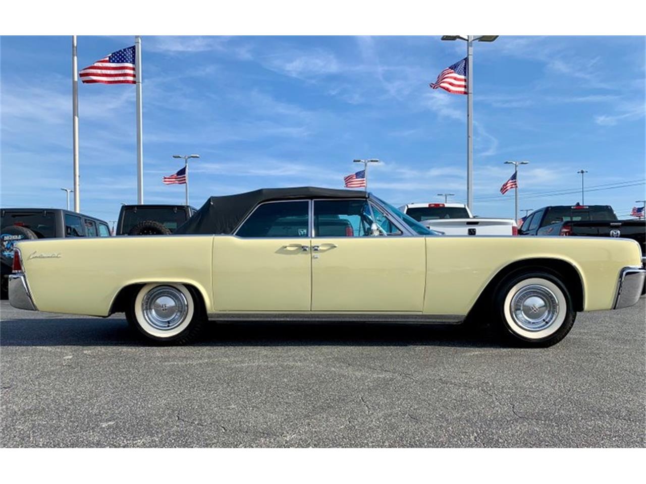 Large Picture of 1961 Lincoln Continental located in North Carolina Auction Vehicle Offered by GAA Classic Cars Auctions - PATF