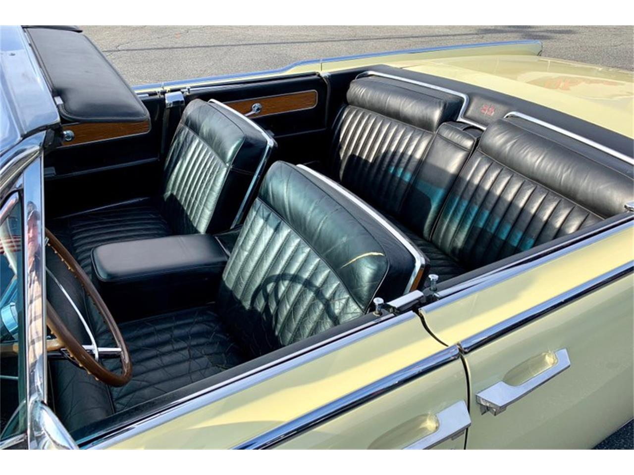 Large Picture of Classic 1961 Continental Offered by GAA Classic Cars Auctions - PATF