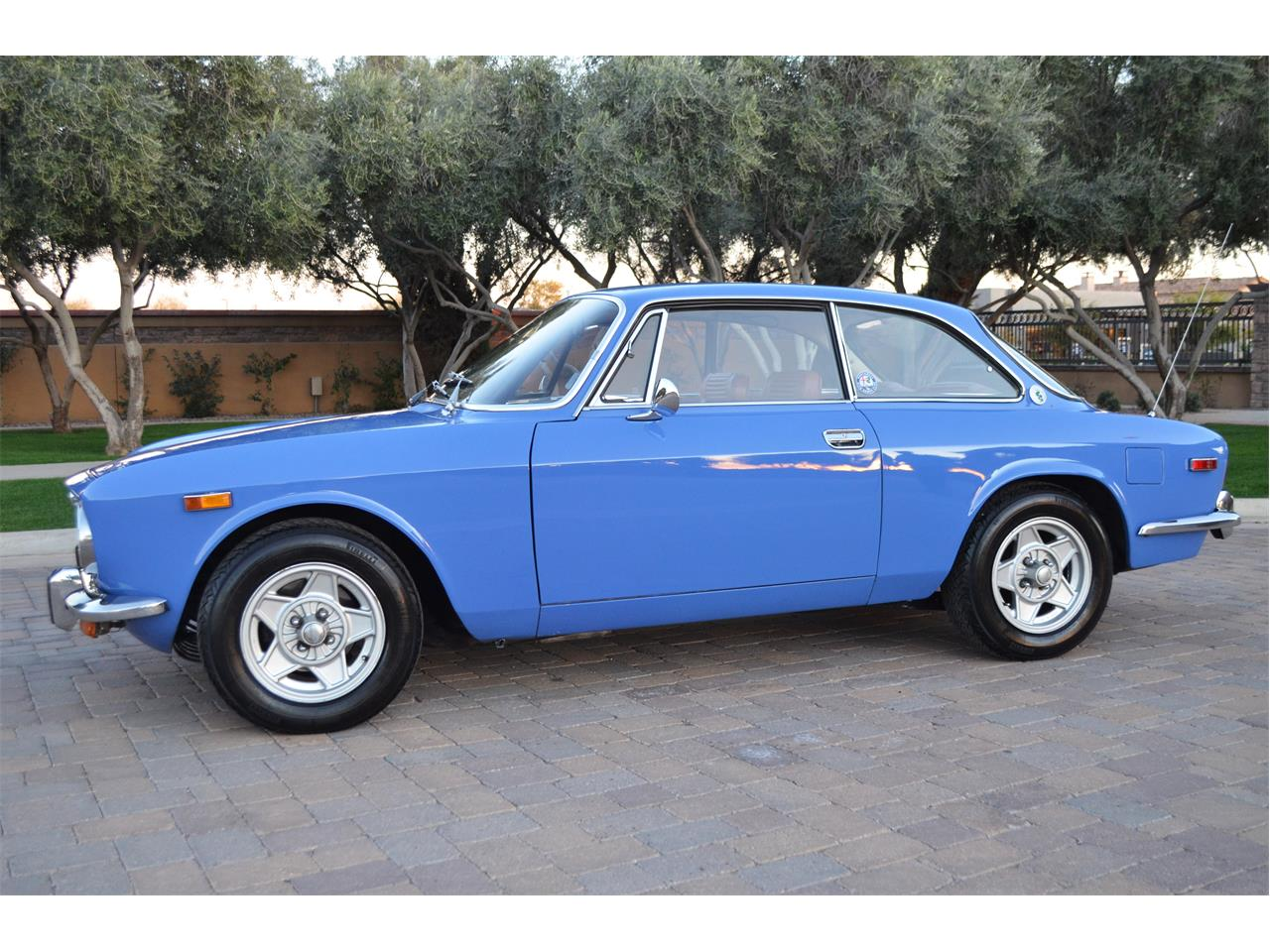 Large Picture of '74 Alfa Romeo 2000 GT Offered by European Motor Studio - PE4O