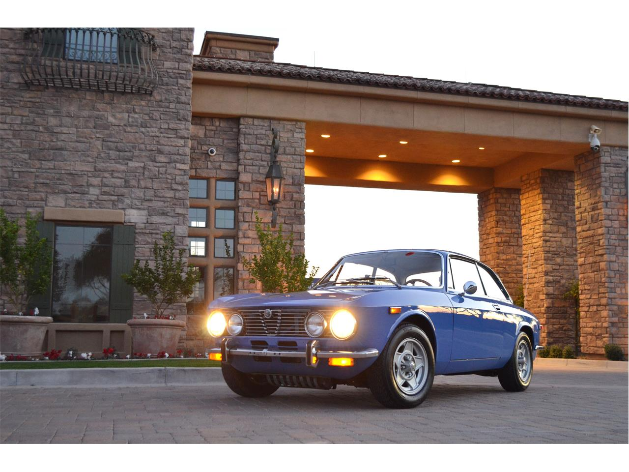 Large Picture of 1974 Alfa Romeo 2000 GT - $54,995.00 Offered by European Motor Studio - PE4O