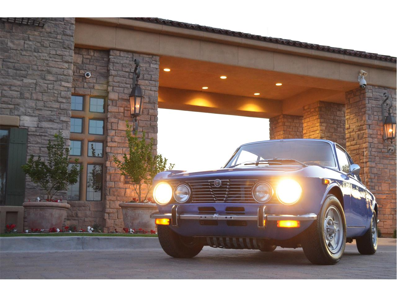 Large Picture of '74 2000 GT Offered by European Motor Studio - PE4O