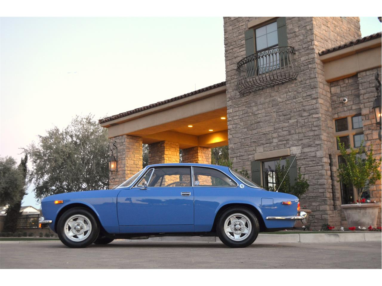 Large Picture of 1974 Alfa Romeo 2000 GT Offered by European Motor Studio - PE4O