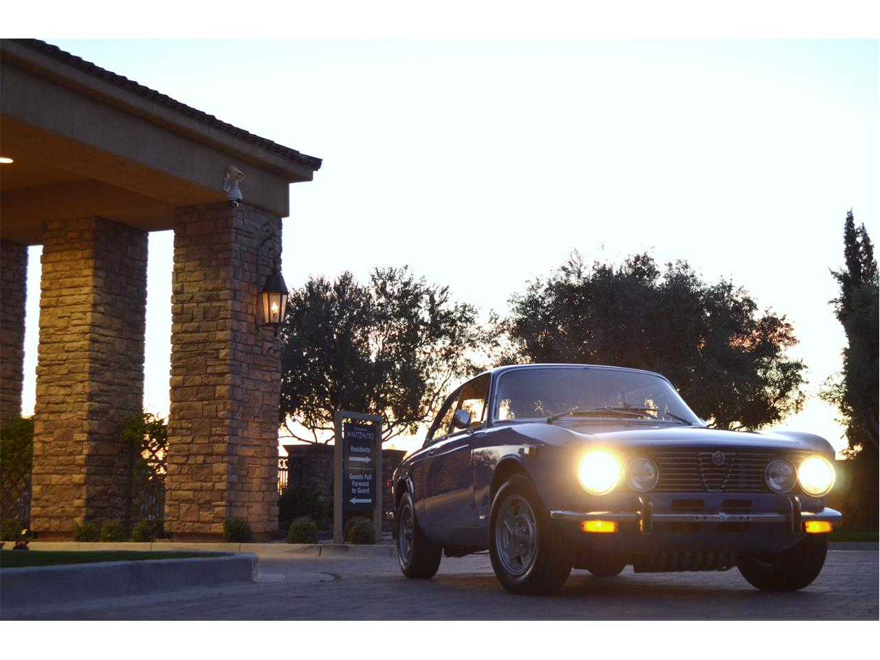 Large Picture of '74 2000 GT - $54,995.00 Offered by European Motor Studio - PE4O