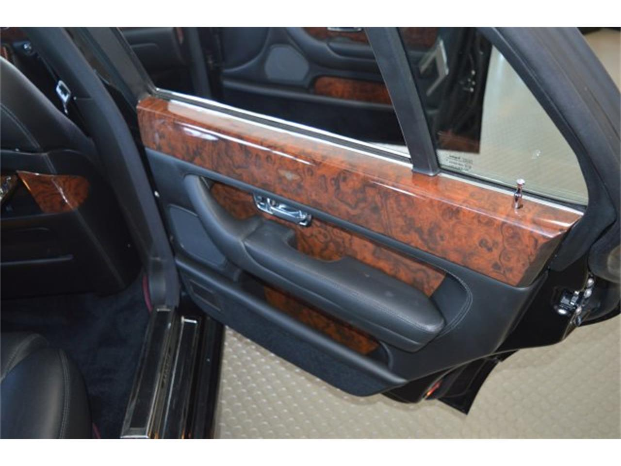 Large Picture of '99 Arnage - $49,000.00 Offered by American Motors Customs and Classics - PE9B