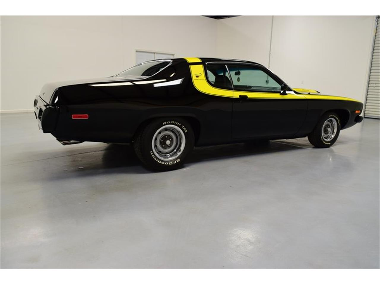 Large Picture of '74 Road Runner - PEF8