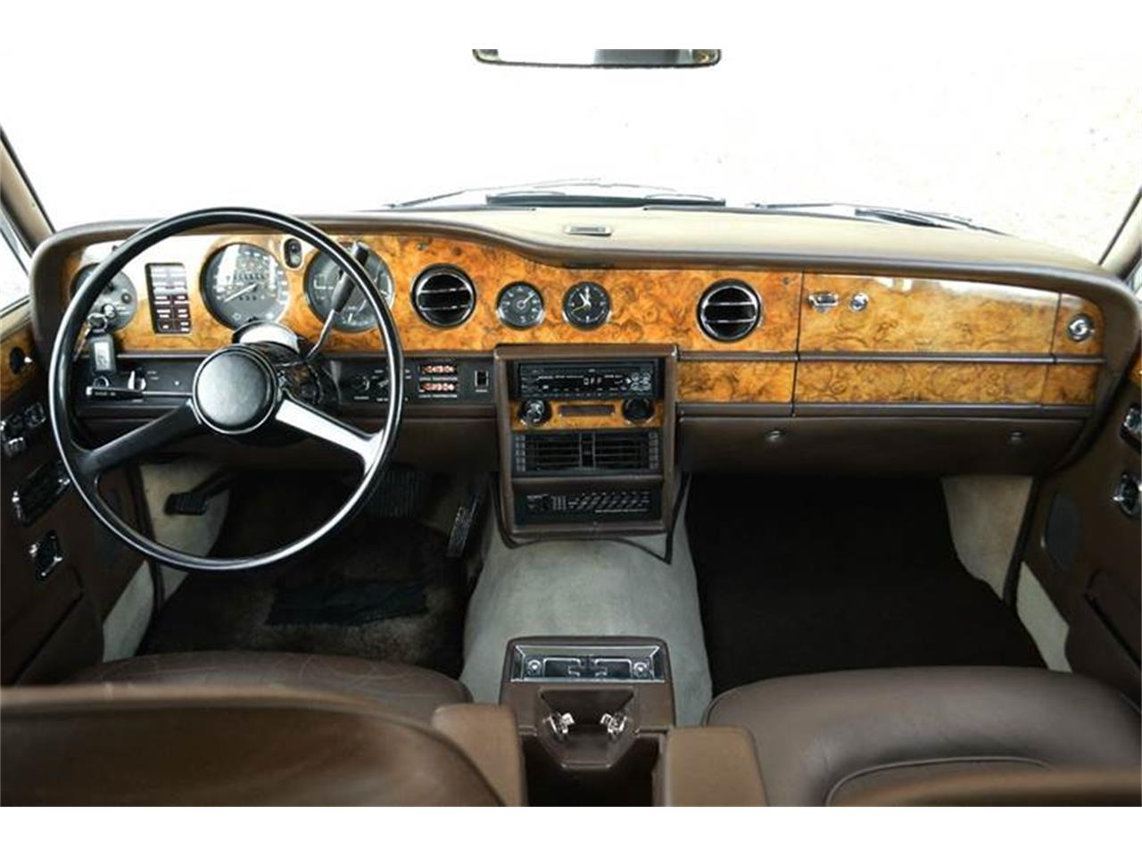 Large Picture of '77 Silver Shadow - PEZX
