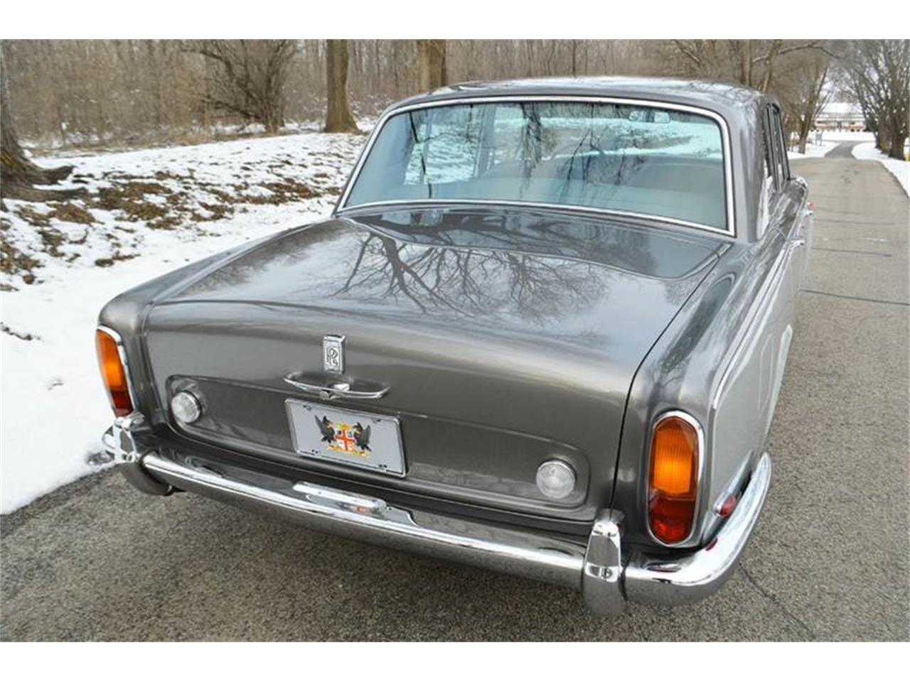 Large Picture of '69 Silver Shadow - PF04