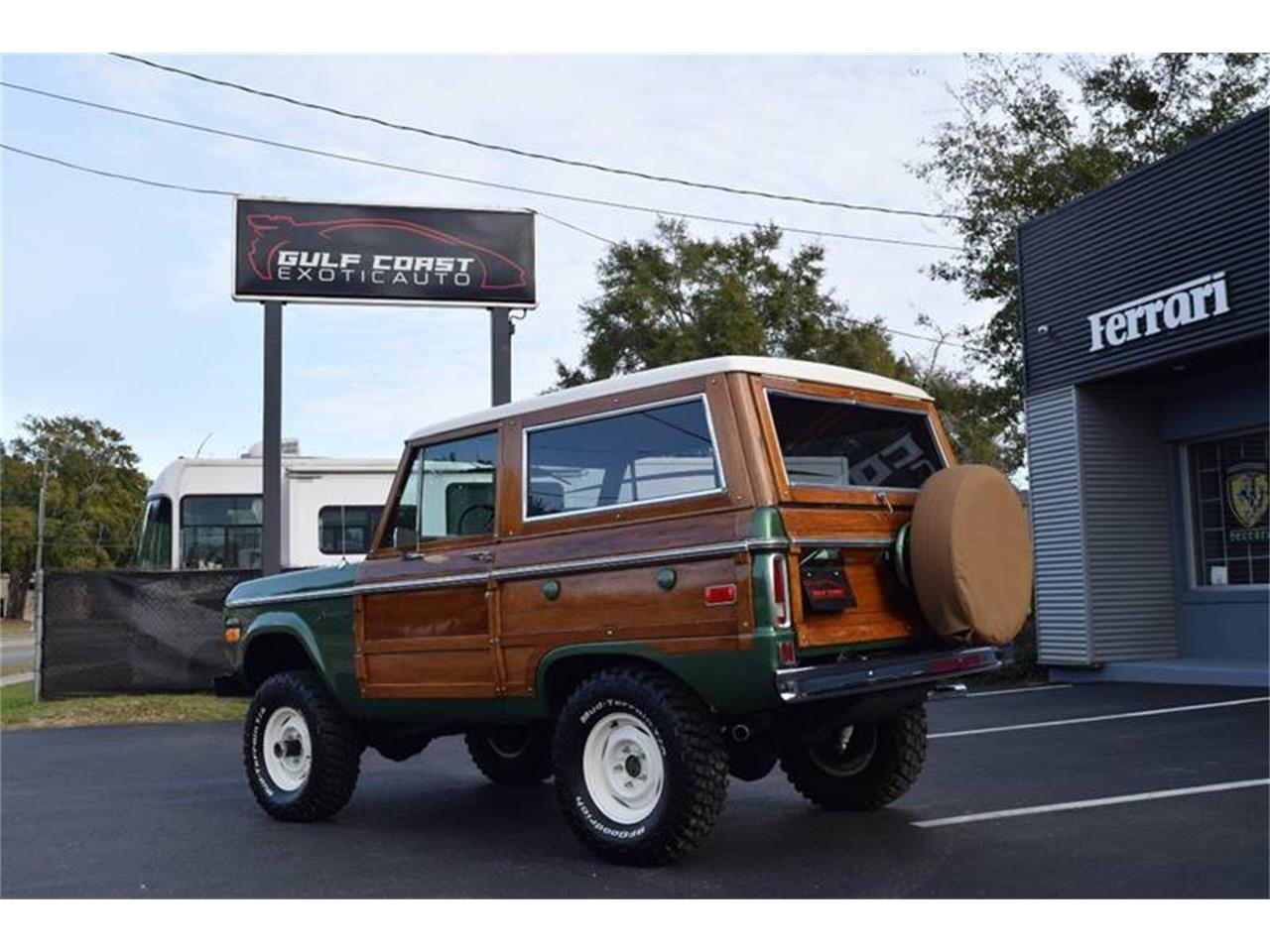 Large Picture of '74 Bronco - PF9K