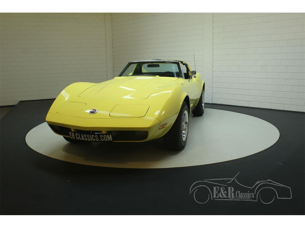 Large Picture of '74 Corvette Offered by E & R Classics - PFBT