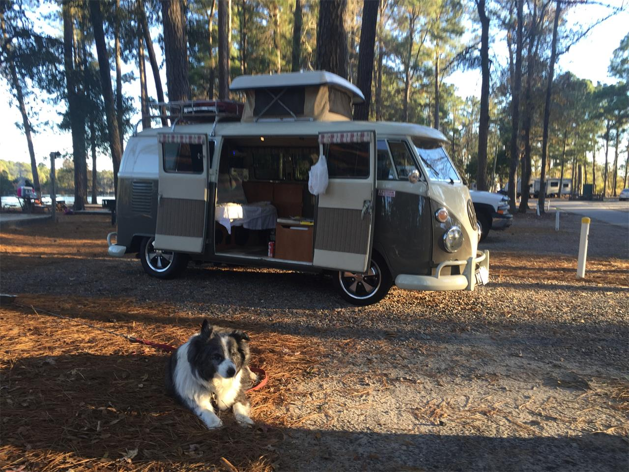 Large Picture of Classic '67 Volkswagen Camper Offered by a Private Seller - PFHI