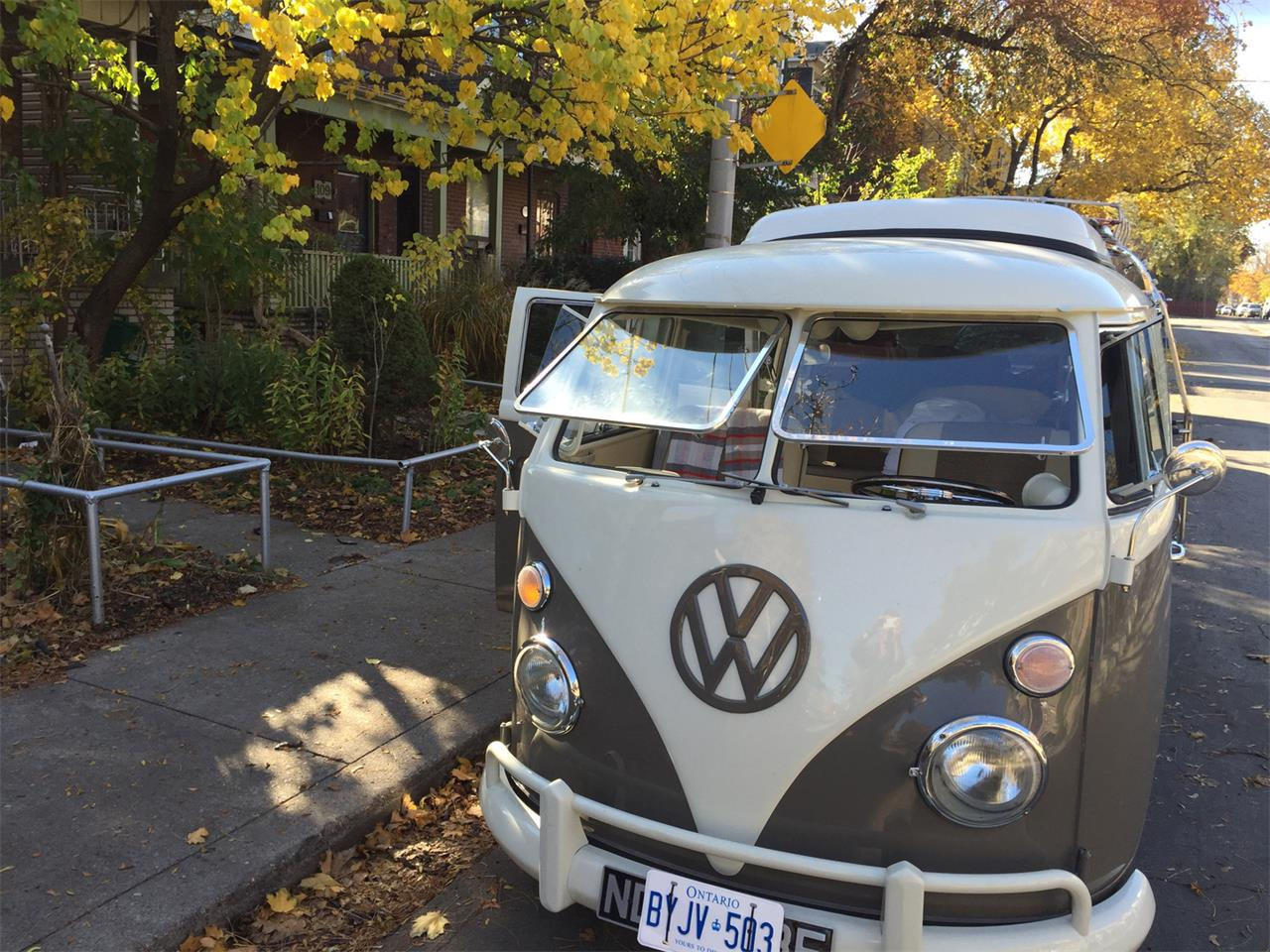 Large Picture of Classic '67 Volkswagen Camper located in Ontario Offered by a Private Seller - PFHI