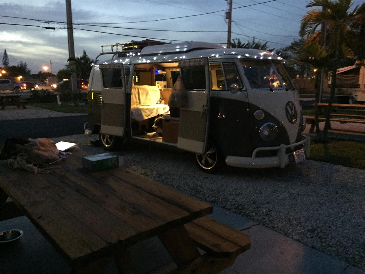 Large Picture of '67 Volkswagen Camper - PFHI