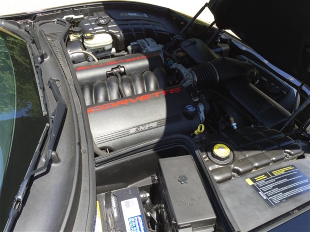 Large Picture of 2002 Chevrolet Corvette - PFIC