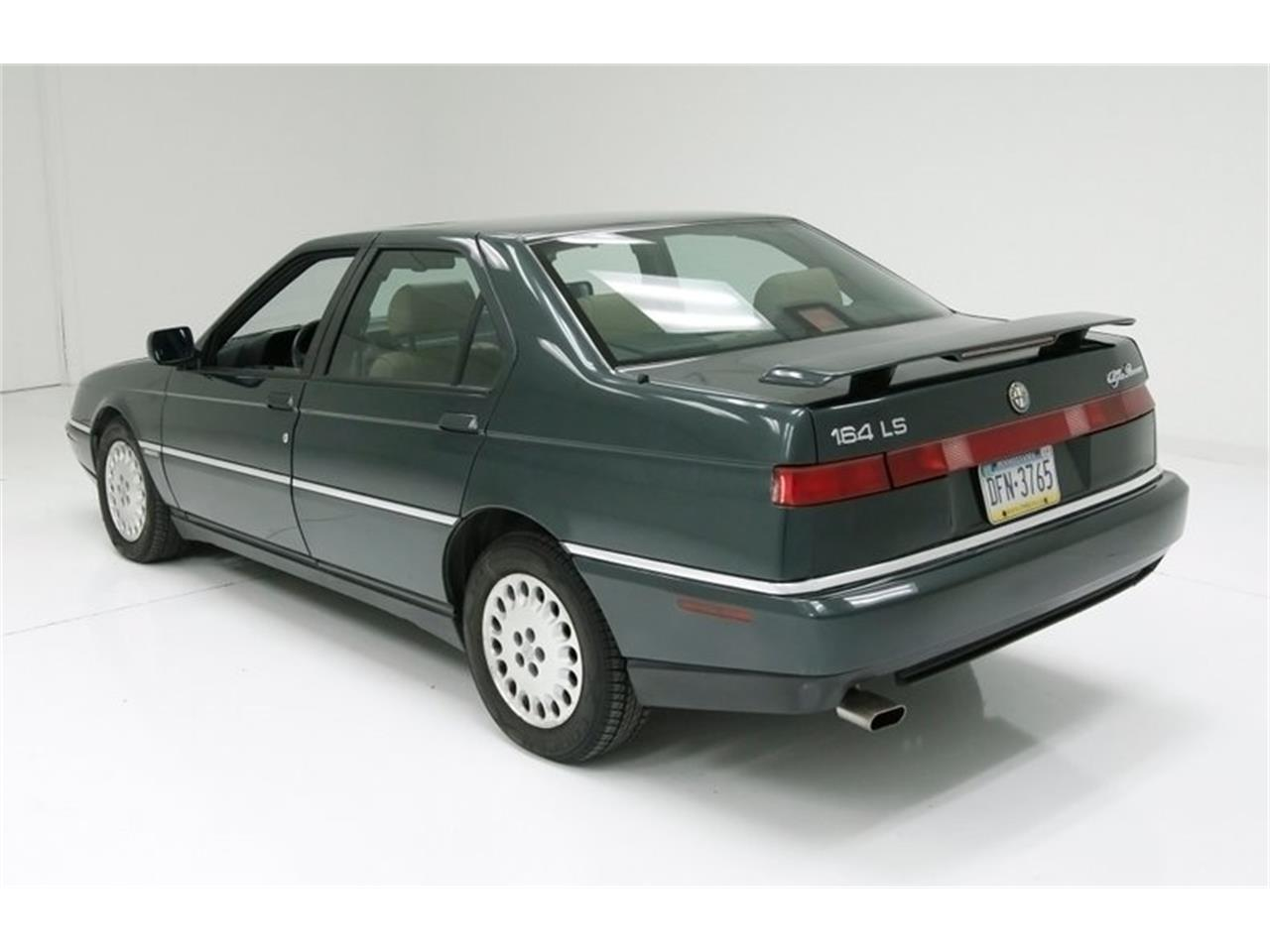 Large Picture of '95 Alfa Romeo 164 located in Morgantown Pennsylvania Offered by Classic Auto Mall - PFJN