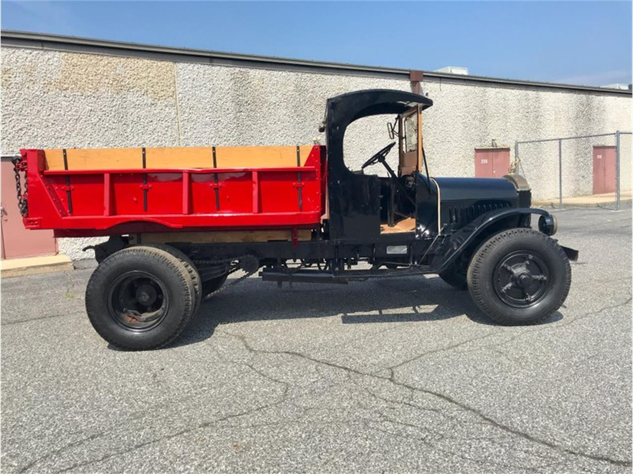 Large Picture of Classic '30 Mack Dump Truck located in Pennsylvania Offered by Classic Auto Mall - PFJY