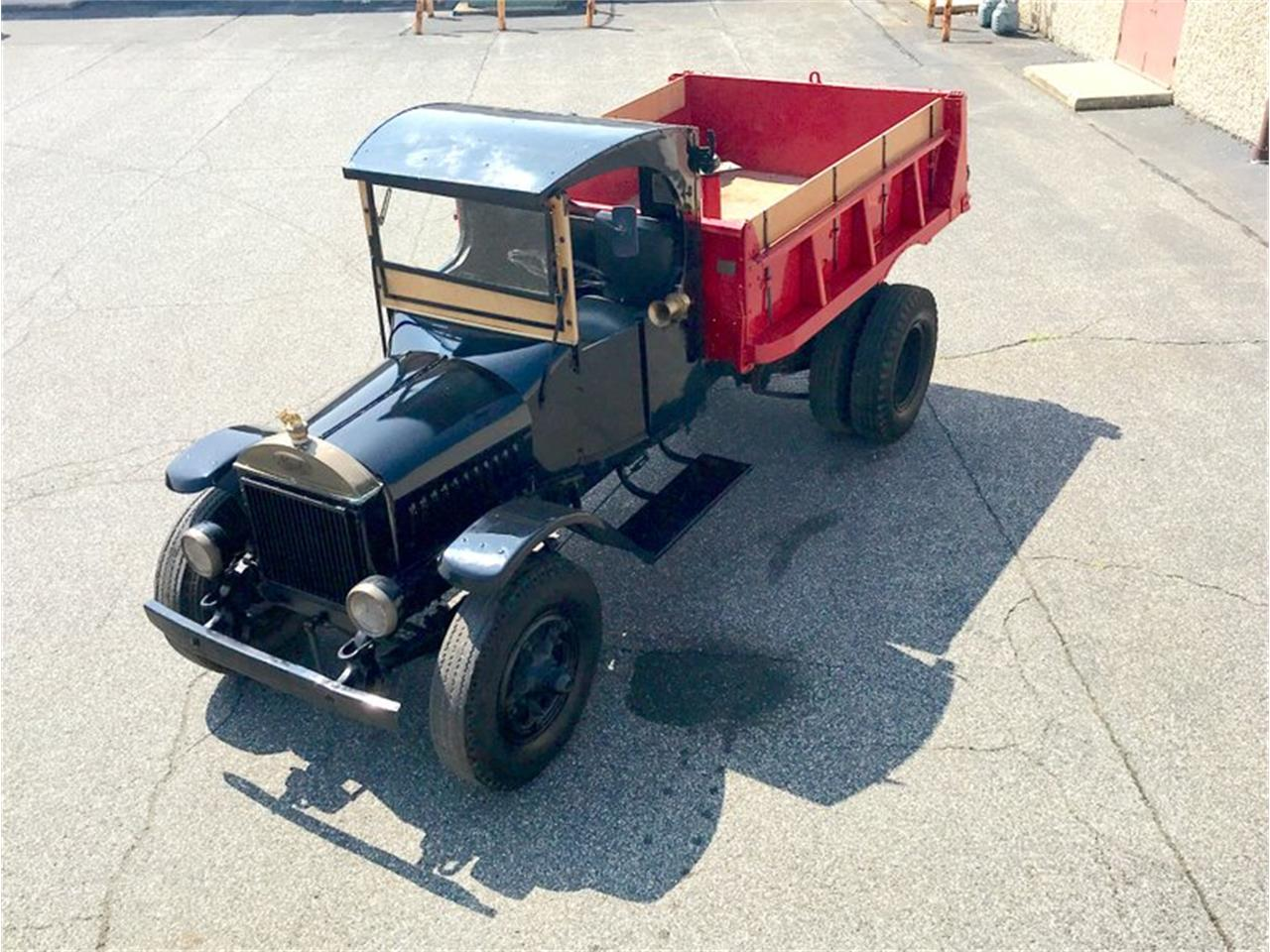 Large Picture of '30 Mack Dump Truck located in Morgantown Pennsylvania - $36,900.00 - PFJY