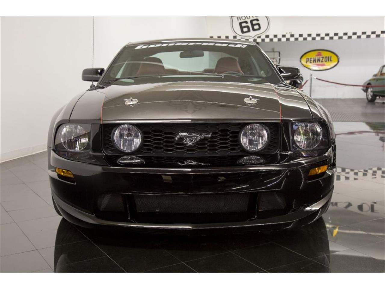 Large Picture of 2005 Mustang GT located in St. Louis Missouri - PFLU