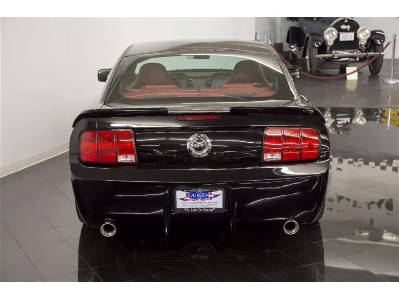 Large Picture of '05 Mustang GT located in St. Louis Missouri - PFLU