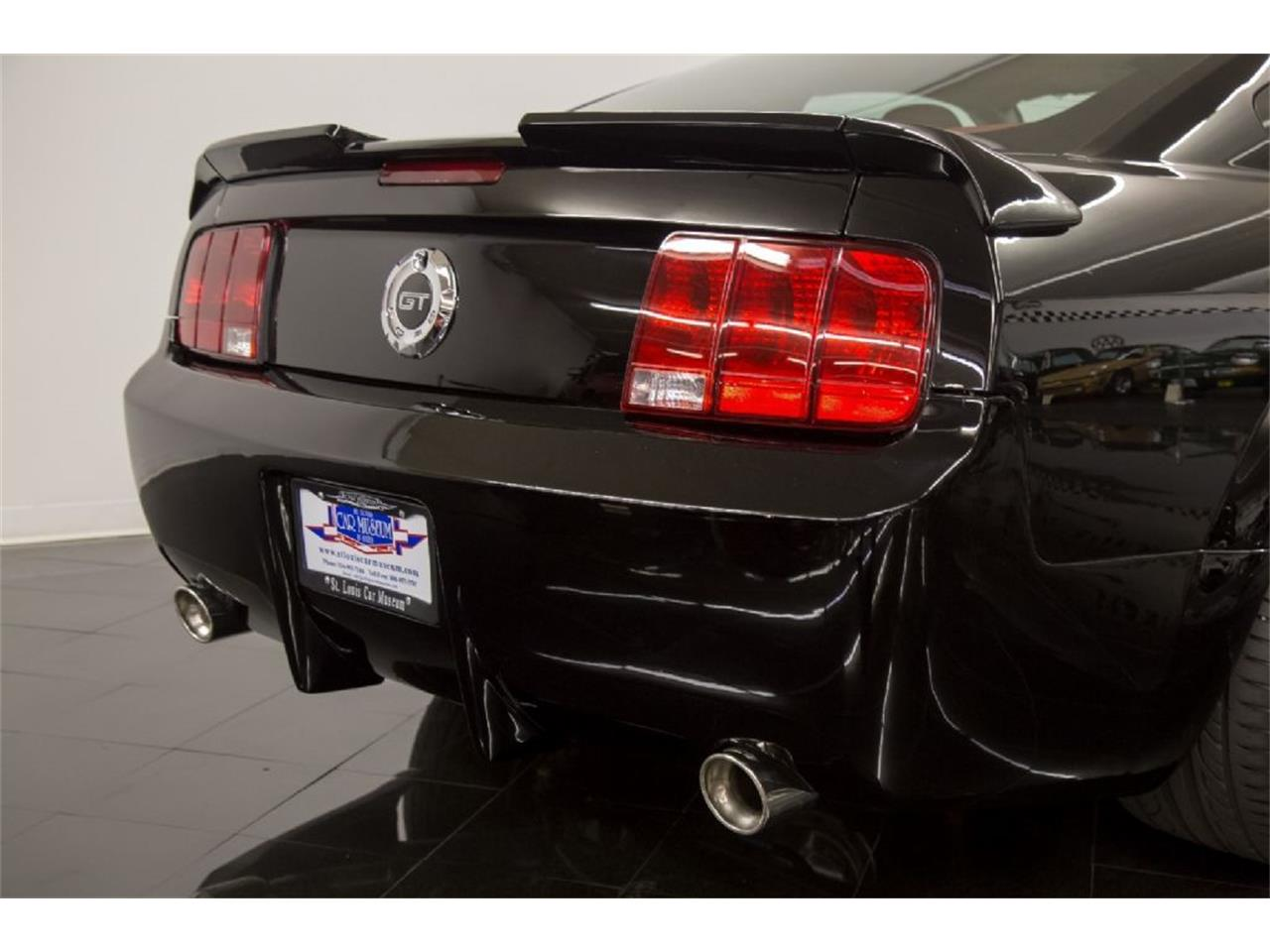 Large Picture of '05 Mustang GT located in Missouri - $35,900.00 Offered by St. Louis Car Museum - PFLU
